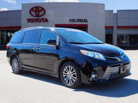 Pre-Owned 2020 Toyota Sienna XLE FWD XLE 8-Passenger 4dr Mini-Van